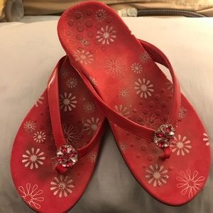 Vionic size 9 hot pink thong sandals